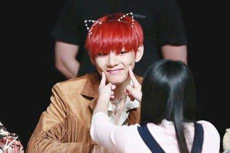 Nhung my nam Kpop pha le cho fan so mat - Anh 13