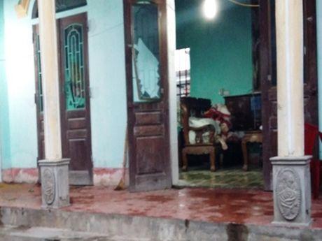 Nam Dinh: Nghi an chong tam xang thieu chet vo roi tu tu - Anh 1
