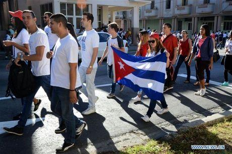 Nguoi Cuba xep hang dai vieng lanh tu Fidel Castro - Anh 4