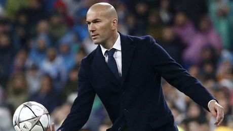 Sieu kinh dien Barcelona - Real Madrid: Me hon tran cua Zidane - Anh 1