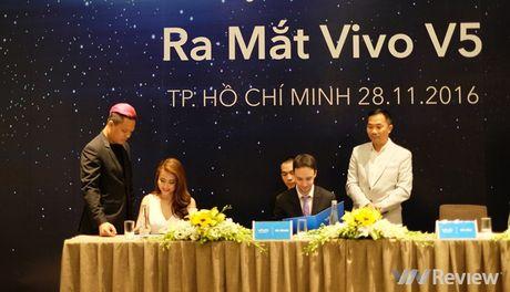 Vivo V5 ra mat: Camera selfie 20MP, gia 6 trieu dong - Anh 1