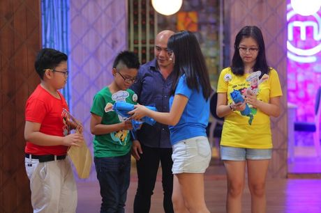 Vua dau bep nhi: Hoang Hai chia tay top 7 - Anh 2