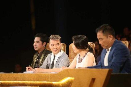 Dam Vinh Hung 'gai bay' Ngoc Son phai hon dong gioi tren san khau - Anh 2