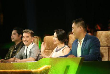 Dam Vinh Hung 'gai bay' Ngoc Son phai hon dong gioi tren san khau - Anh 3