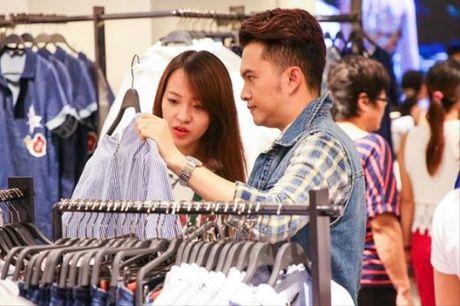 'Phat hon' voi nhung ong chong 'soai ca' cua showbiz Viet - Anh 17