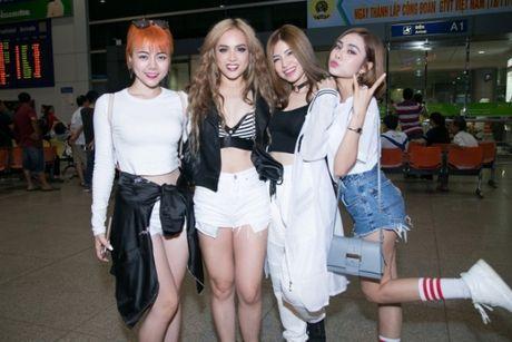 S Girls xinh dep cuon hut don DJ dien trai tu Ha Lan tham gia The Remix 2017 - Anh 2