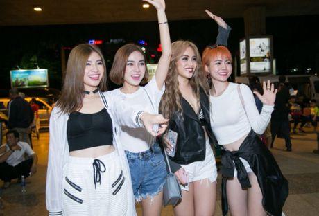 S Girls xinh dep cuon hut don DJ dien trai tu Ha Lan tham gia The Remix 2017 - Anh 3