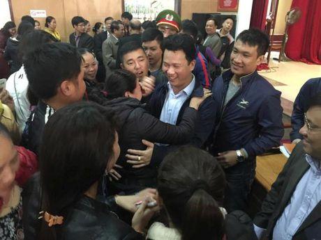 Ha Tinh: Hang tram tieu thuong mo nhac an mung, mo cua kinh doanh tro lai - Anh 4