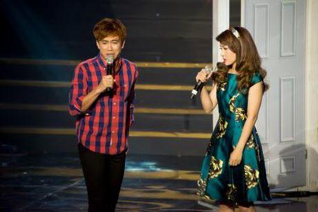 Dam Vinh Hung 'mang yeu' Vinh Thuyen Kim la 'con tieu yeu' cua showbiz - Anh 1