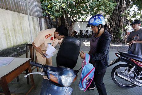 Nguoi Sai Gon chi mat 2 ngay de sang ten xe chinh chu - Anh 5