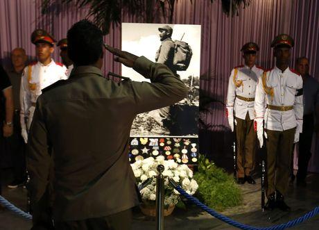 Nguoi dan Cuba tien biet lanh tu Fidel Castro - Anh 10