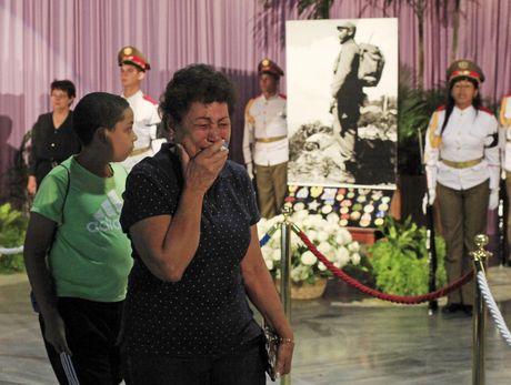 Nguoi dan Cuba tien biet lanh tu Fidel Castro - Anh 1