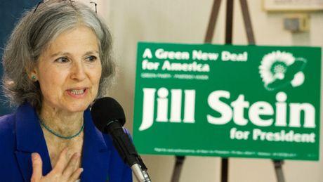 Ba Jill Stein duoc loi gi khi yeu cau kiem phieu lai? - Anh 1