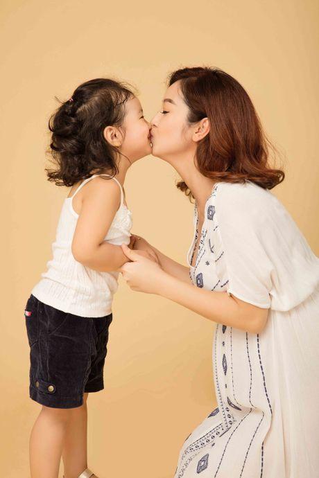 Jennifer Pham rang ro ben con gai truoc khi sinh con thu ba - Anh 10
