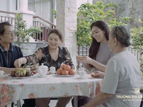 Truong Thi Dieu Ngoc gioi thieu ban than bang tieng Anh voi Miss World 2016 - Anh 1