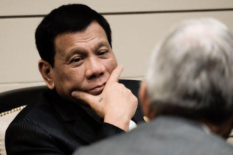 Philippines bac tin Tong thong Duterte ngat xiu - Anh 1