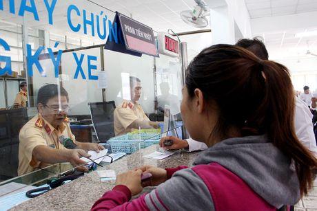 Xe sang ten doi chu: Khong co giay to gi van lam duoc - Anh 3