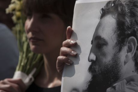 Hang tram nghin nguoi doi vao tien biet lanh tu Fidel Castro - Anh 11