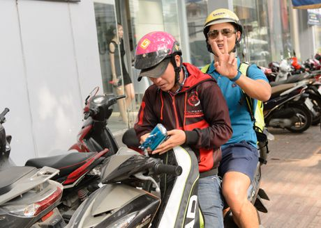 Duc Tuan di xe may den tap Duyen dang Viet Nam - Anh 3