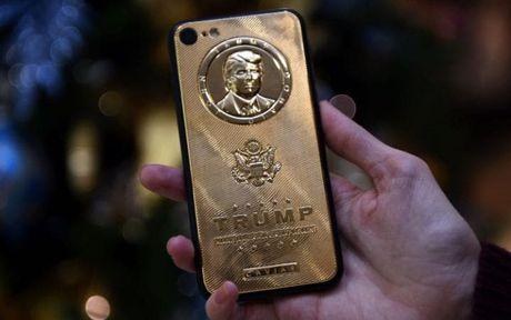 Donald Trump tu choi 'len doi' smartphone - Anh 1