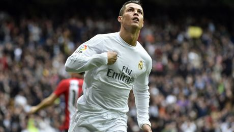 Ronaldo tang toc trong cuoc dua gianh Qua bong vang - Anh 1