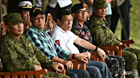 Doan ho tong Tong thong Philippines bi tan cong - Anh 1
