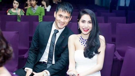 Cong Vinh viet tam thu giai nghe, se ve lam hau phuong cho Thuy Tien? - Anh 2