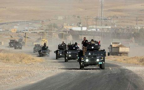 1.000 tay sung IS da bi tieu diet tai Mosul - Anh 1