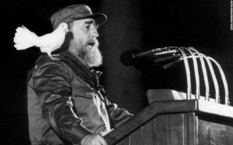 Fidel Castro- nguoi doi thay cuoc song cua nguoi dan Cuba - Anh 1
