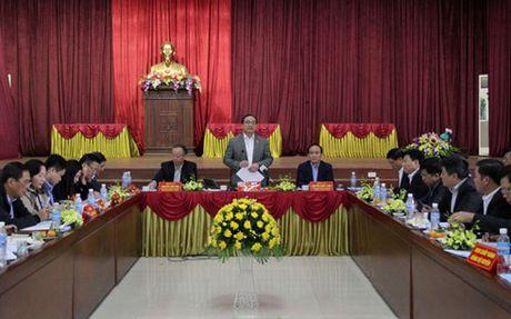 Bi thu Hoang Trung Hai: Nong thon moi o Ung Hoa trien khai con cham - Anh 2