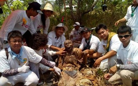 Phat hien xac xam kin nguoi, da con nguyen ven o Thai Lan - Anh 3