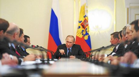 Putin theo doi sat Crimea khi Ukraine co y dinh ban ten lua - Anh 1