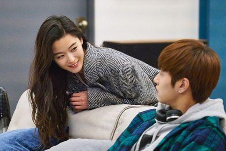Hau truong hai huoc cua 'sieu trom' Lee Min Ho - Anh 1