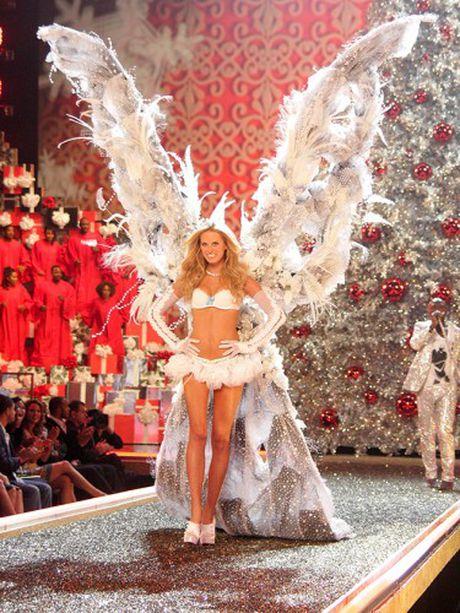 Khoanh khac dep 'dung hinh' cua Victoria's Secret Show - Anh 9