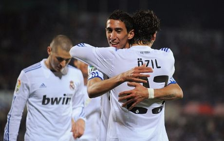 Nong: Oezil va Di Maria sap quay ve Real Madrid - Anh 1