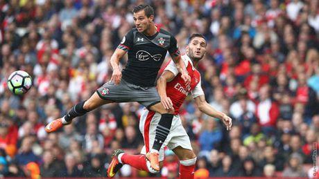 Wenger su dung 'binh hung tuong manh' cho EFL Cup - Anh 1