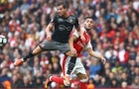 Wenger khen ngoi lo dao tao tre Southampton - Anh 4