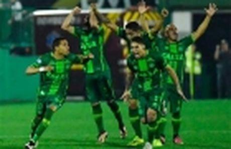 10 ngoi sao Brazil 'lam mua lam gio' o troi Au - Anh 2