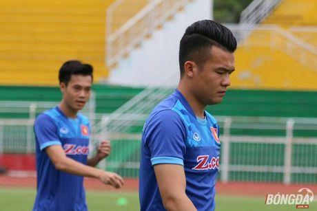 Tien ve Hoang Thinh phai tap rieng truoc khi sang Indonesia - Anh 1