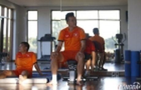 Tien ve Hoang Thinh phai tap rieng truoc khi sang Indonesia - Anh 5
