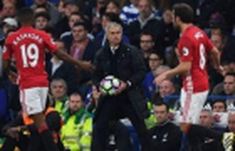 Doi thoai cung Wenger: Chung ta dang 'huy hoai' cau thu tre - Anh 3