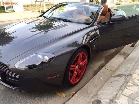 'Hang doc' Aston Martin V8 gia hon 3 ty dong tai VN - Anh 2