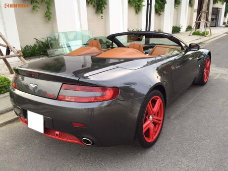 'Hang doc' Aston Martin V8 gia hon 3 ty dong tai VN - Anh 3