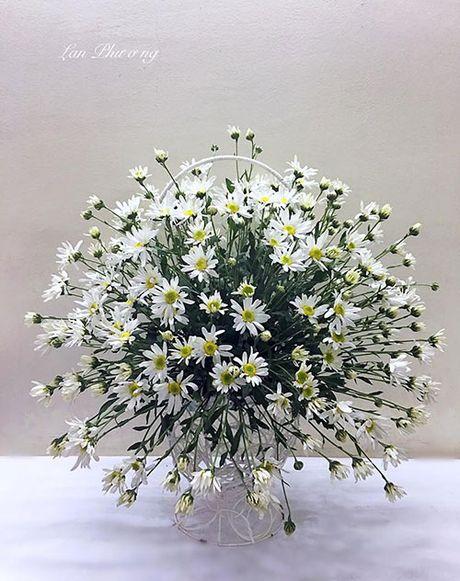 Xem chi em Ha Thanh cam cuc hoa mi ruc ro mot goc nha - Anh 9