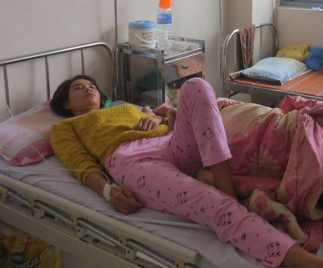 Thua Thien - Hue: Nhap vien cap cuu do ngo doc banh my - Anh 1