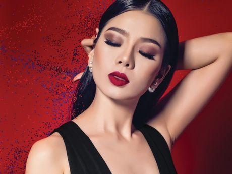 Le Quyen mang 'hit' Bolero den Duyen dang Viet Nam 2016 - Anh 1