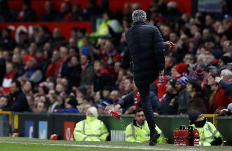 HLV West Ham treu tuc Mourinho truoc tran tai dau voi M.U - Anh 2
