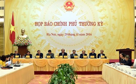 Pho Thong doc NHNN: Tang truong tin dung 18-20% co the dat duoc - Anh 1