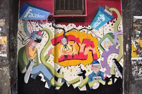 Nhung buc tuong tranh graffiti day mau sac tai Ai Cap - Anh 5