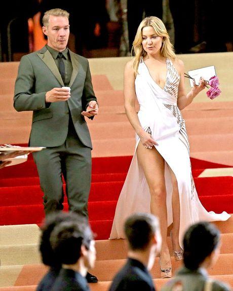 Nguoi dep dinh tin don ngoai tinh voi Brad Pitt duoc cho la sanh ngang voi Angelina - Anh 13